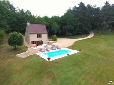 FONCHAVE - piscine pirvée - isolée - vallee vezere - lascaux