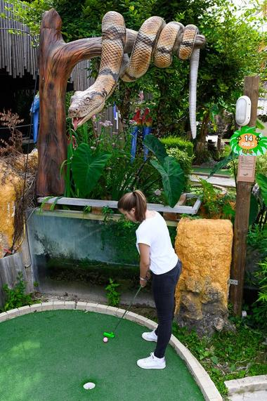 Jungle-Golf-4