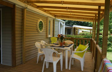 Terrasse-mobile-home---Domaine-des-chenes-verts