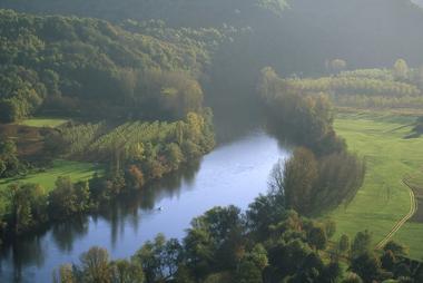 VEZAC - vallée Dordogne automne vues des falaises de Vézac_800_600