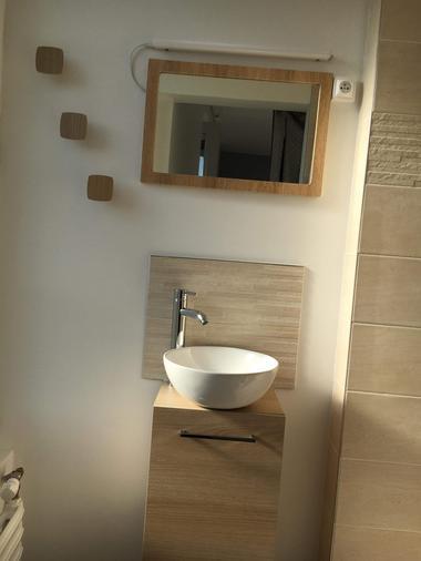 mauleon-gite-izalin-lavabo