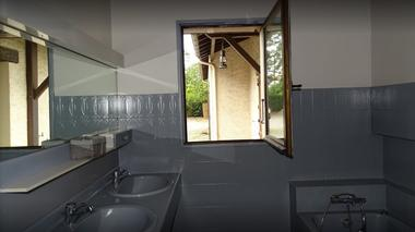 moncoutant-chambre-dhotes-domaine-de-letang-salle-de-bain