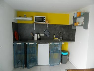 nueil-les-aubiers-gite-malimothe-studio2-cuisine