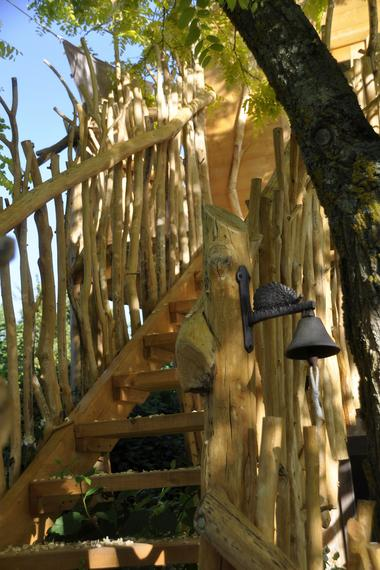 bressuire-chambre-dhote-cabane-niglo-escalier