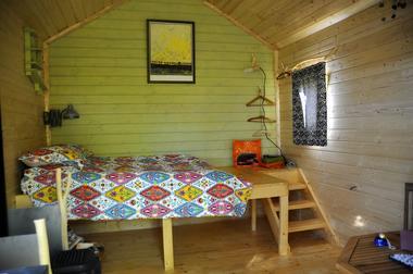 bressuire-chambre-dhote-cabane-niglo-lit