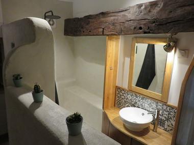 clesse-chambre-dhotes-aux-deux-chevres-salle-de-bain2
