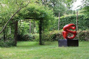 lesjardinsdecadiot sculpture rouge REDIM