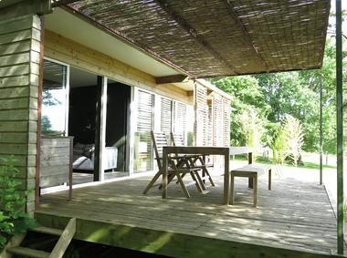 st-andre-sur-sevre-la-cabane-ultranature-terrasse1
