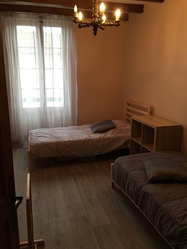 saint-amand-sur-sevre-gite-10-15-min-du-puy-du-fou-chambre2