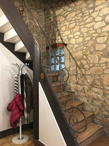 saint-amand-sur-sevre-gite-10-15-min-du-puy-du-fou-escalier
