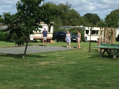 saint-maurice-etusson-camping-la-raudiere-boulodrome.jpg_4