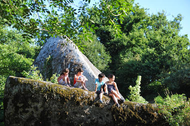 rocher-branlant-jardin-des-chirons-2000bressuirais (pw) 5244.jpg_10