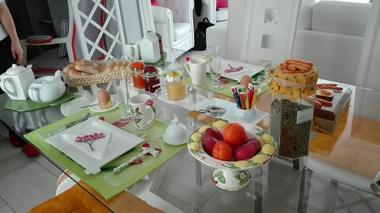 courlay-chambre-chez-rose-petit-dejeuner.jpg_4