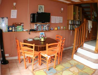 saint-paul-en-gatine-gite-au-cocorico-salle-a-manger.jpg_5