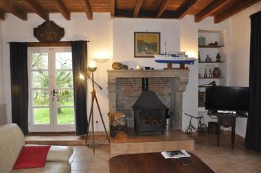 la-foret-sur-sevre-gite-le-loriot-cheminee1.jpg_5