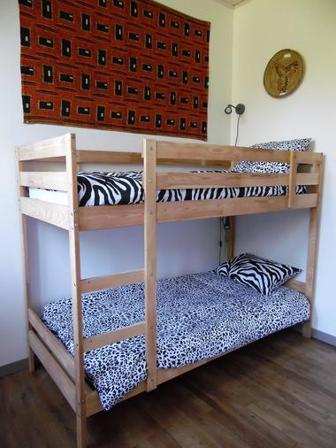 ecole-buissonniere-gite-lecole-du-voyage-chambre2-lits-superposes.jpg_5