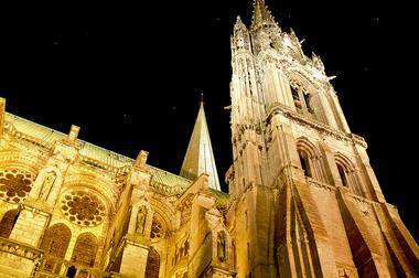 Cathédrale de Chartres la nuit