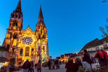 Chartres en Lumières Cathédrale de Chartres - Copyright Spectaculaires les allumeurs d'images - Cité Patrimoine