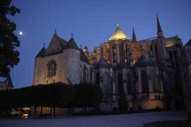 Cathédrale de Chartres de nuit