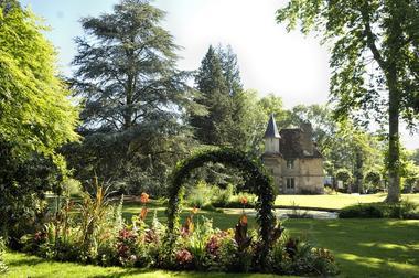 Jardin d'horticulture maison en arrière plan  © Office de Tourisme de Chartres - Ville de Chartres Guillermo Osorio