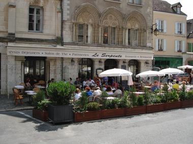 Le Café Serpente