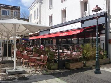 C Chartres Tourisme - Café du Général