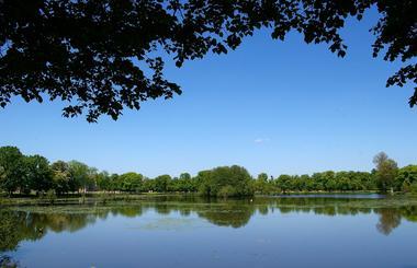 Printemps dans le parc du château de La Ferté-Vidame.