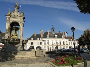 Place du 18 octobre Châteaudun