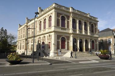 Théâtre façade© Office de Tourisme de Chartres - Ville de Chartres Guillermo Osorio