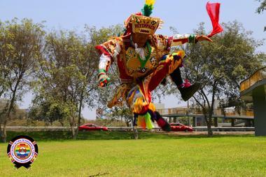 Copie de el-auquish-acodanza-asociacion-cultural-de-danzantes-de-tijeras-acodanza-peru-internacional-17