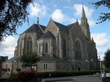 Eglise St Pierre - Hénon - Moncontour