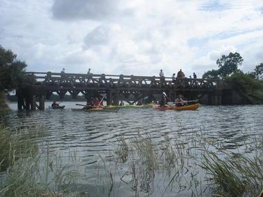 Passage sous le pont du marais