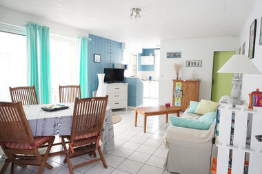 Location - BEBRONNE - Lesconil - Pays Bigouden - salon1
