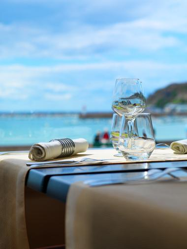 hot-plage-table