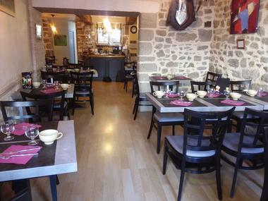 Moncontour - crêperie pizzeria - Au-Coin-du-feu