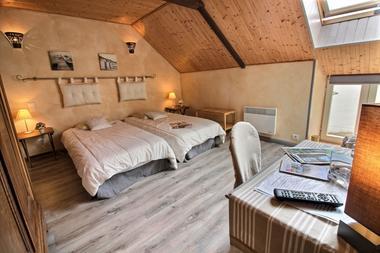 22G320896---Le-Clos-des-Hortensias---chambre-4--2--2