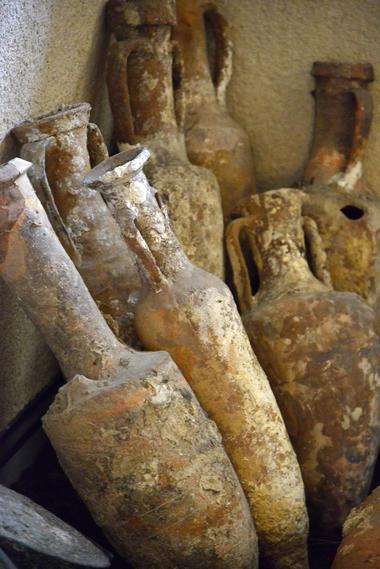 Musee du Biterrois-Amphores romaines trouvées dans l'Orb-JP Degas