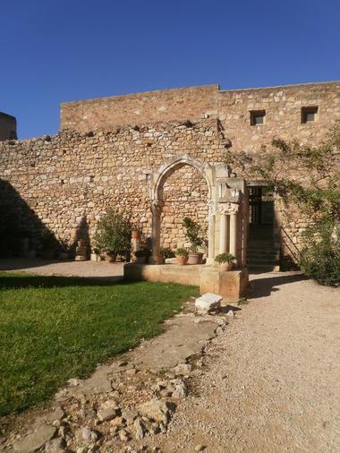 Abbaye_Fontcaude2_OTSaintChinian