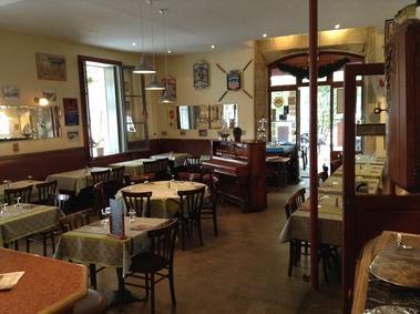 Café de Plaisance (2)