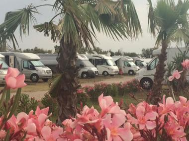 Camping-car-Park-Serignan-Plage