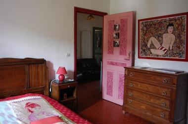Chambre rouge Chez Camille