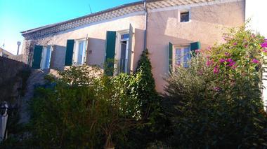 Cour interieure-La-Coquillade-Autignac - OT-Avants-Monts