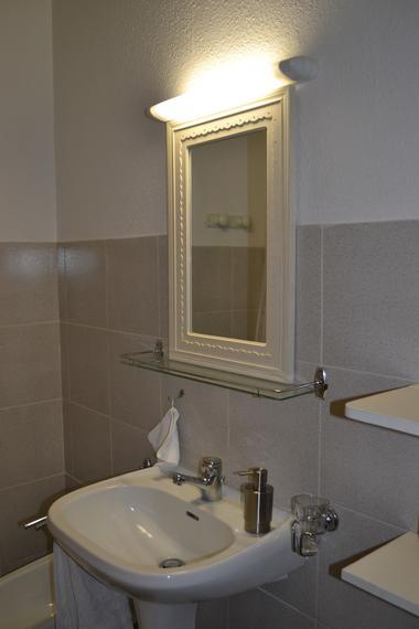 la salle de bain et wc indépendant privatifs
