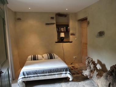HLO-StVincent-Jardindelsud-Fermetemplier-Chambre Lauzes