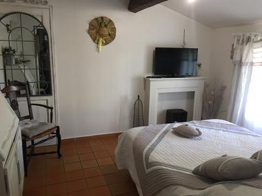 Chambre MALPAS, 1er étage, Grand lit séparable en 2 lits 90cm, climatisée.