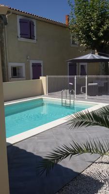 L-Instant-Soleil-piscine_medium-large
