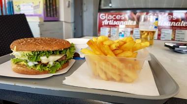 Snack-O-roq-cheeseburger---CGibon-2018