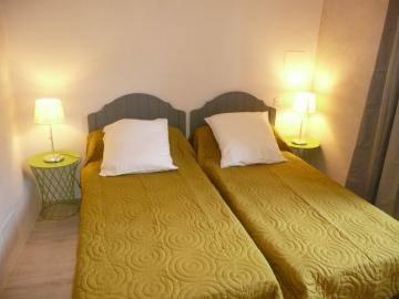 La chambre aux 2 lits 1 personne