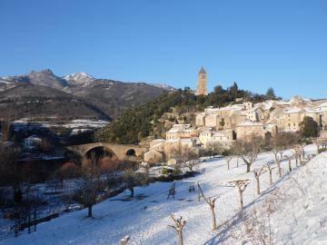 Vue du village sous la neige.