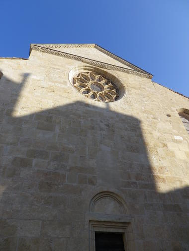 façade ouest et entrée de la basilique St Aphrodise-MBP